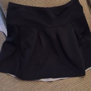 Wilfred black pleated short skirt